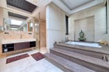 29_master_bathroom