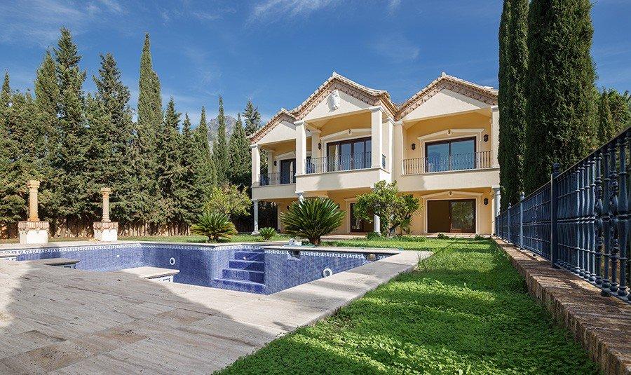 Unique Villa In Baroque Style Sierra Blanca Marbella