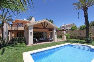 Beachside Villa in 300 meters from the sea, Marbella
