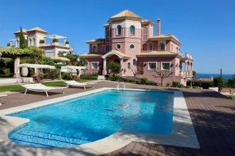 Великолепная вилла с видом на море в Испании, Бенахавис