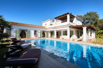 Cozy villa in a residential area of Sotogrande Costa