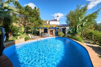 Country estate with private pool located at the foot of the mountain