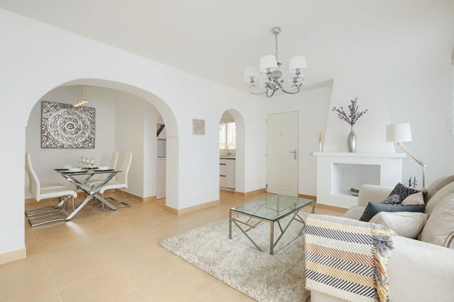 Beautiful and cozy town house on the first coastline, in the Golden Mile, Estepona